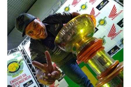 Emerson Loth, o Bombadinho, é o grande campeão do Independência'2019